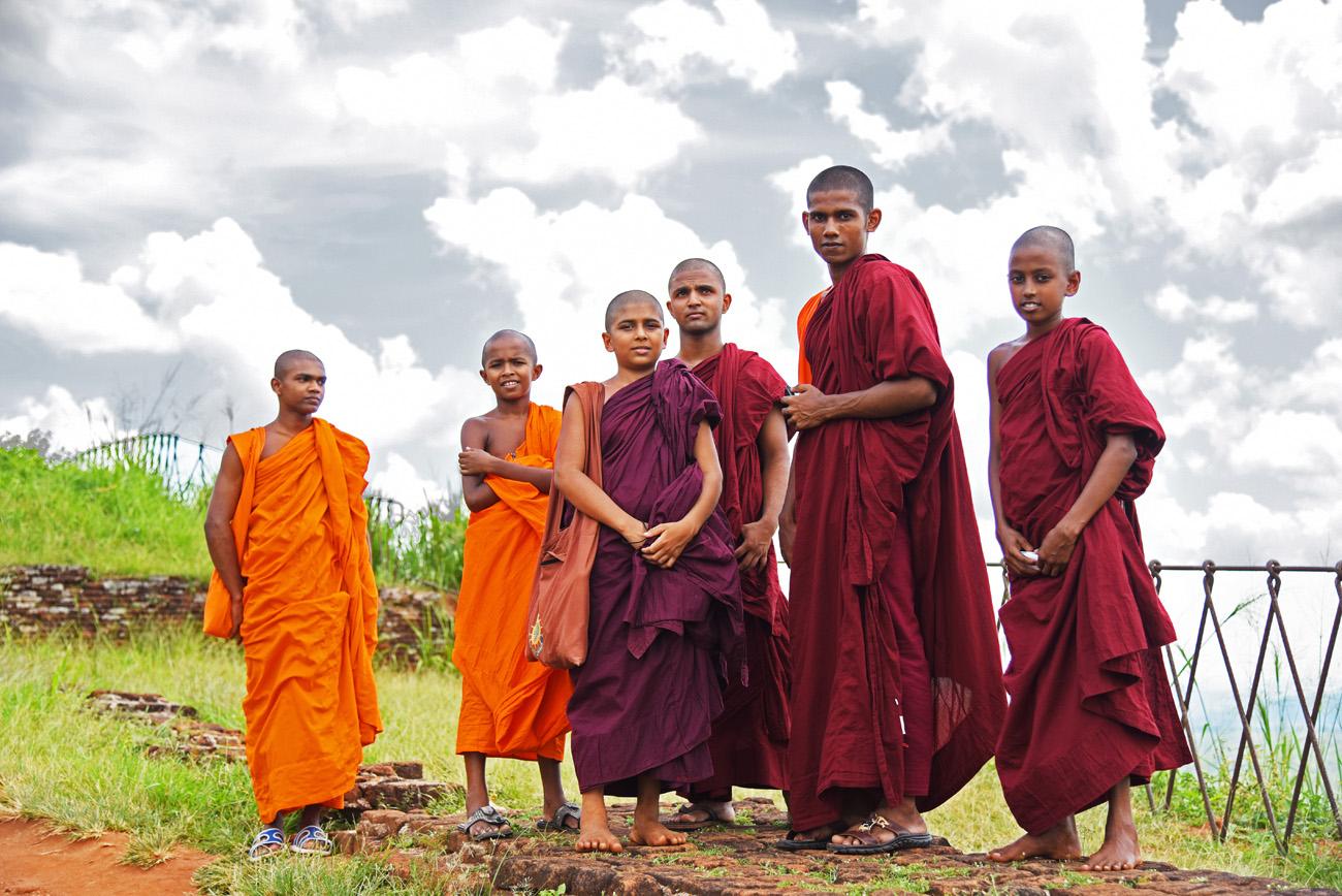 SriLanka_Monks_10