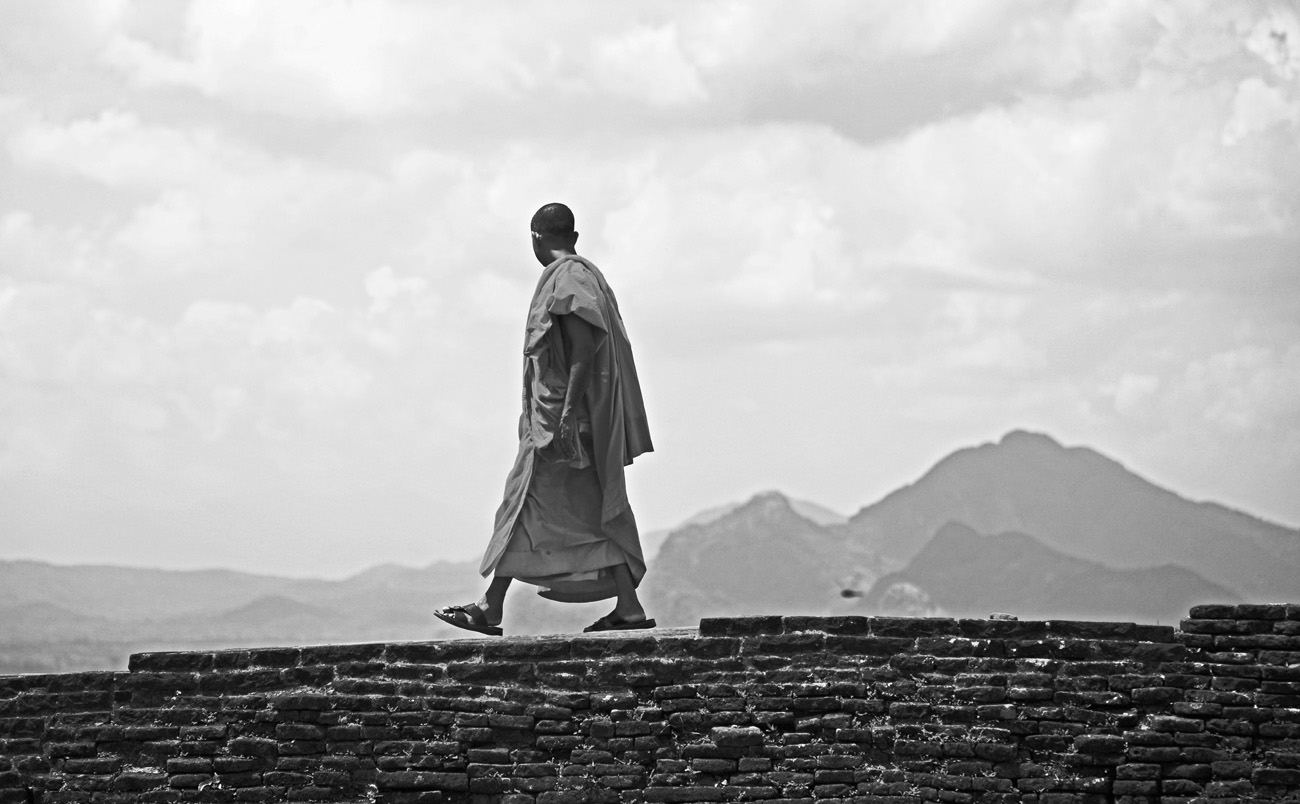 SriLanka_Monks_4